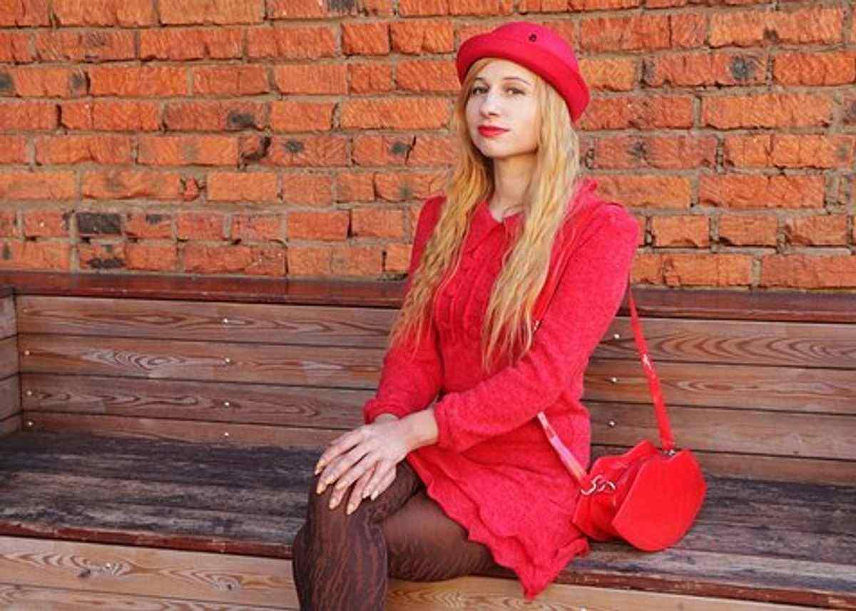 chanel makeup bag red